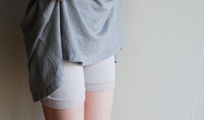 オーガニックコットンを使った短め丈のショートパンツは、見えにくく、オールシーズン使える優秀アイテム。ぴったりだけどゆったり穿ける絶妙サイズです。