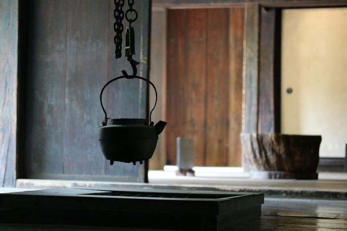 広い敷地内には合掌作りなど古民家や歌舞伎舞台、水車小屋など25軒が現在移築されており、この25件全てが国や県、市の文化財指定を受けているそう。