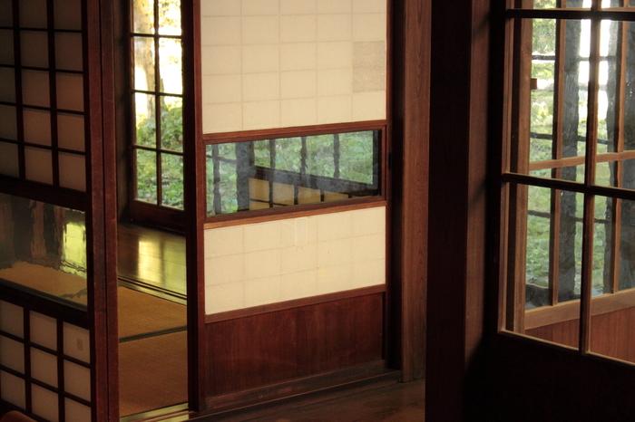 いかがでしたか?どこか郷愁をそそられる古民家の数々。東京から約1時間の距離にあるとは思えないほど、おだやかな里山の光景が広がっています。この記事で興味を持たれた方はぜひ一度訪れて、悠久の時の流れに思いを馳せてみてはいかがでしょうか。