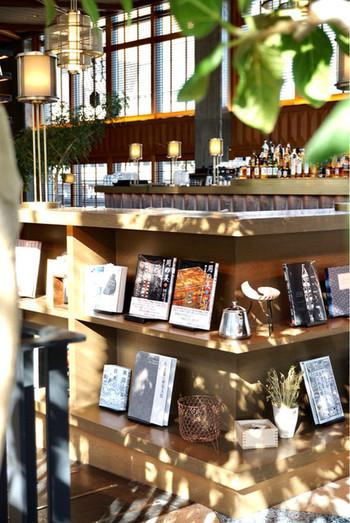 ブックカフェとしても利用できるので、京都散策に疲れた休憩にはぴったりです。  まずは、こちらの「京都モダンテラス」が入っている建物についてご紹介します。そして、岡崎界隈のおすすめスポットのご紹介もしていきます♪