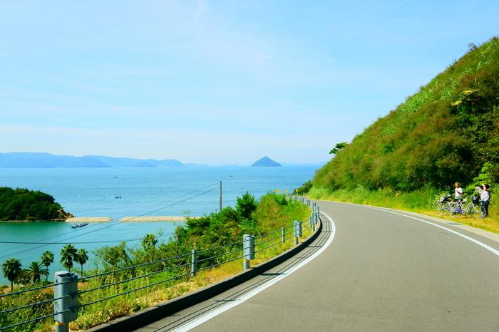 おだやかで美しい光景が広がる瀬戸内海に浮かぶ直島(香川県直島町)は、島全体がアートで満たされています。