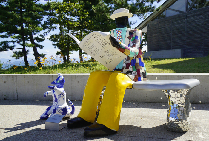 やがてその活動は美術館内部に納まらないほどの規模になり、2004年7月に島内のアート活動をまとめて「ベネッセアートサイト直島」に改称したそうです。
