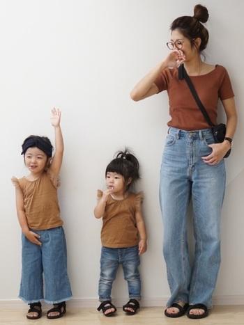 ラグランスリーブで動きやすいから、お子様と遊びまわる日にもぴったり。プチプラだから多少汚れても良いですよね。