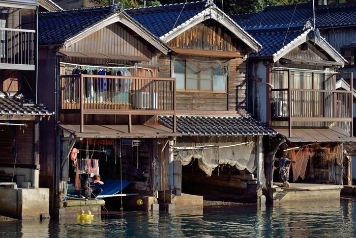 海ギリギリに立っている舟屋の構造は?