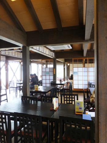 遠景で望む舟屋の景色を満喫しながらの食事もおすすめです。こちらは前述した道の駅の中のレストランです。