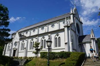 日本でキリスト教の伝道に努めた聖フランシスコ・ザビエルを記念して、明治23年に京都に建設された教会堂です。