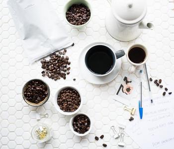 水出しコーヒーを作るときには、「深めに焙煎した豆」を使います。