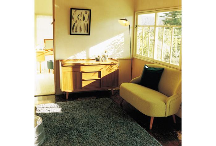 名前のイメージどおり、2人掛け用のソファです。「ラブシート」や「2シーター(ツーシーター)」と呼ばれることもあります。