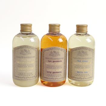 香水の産地でもある南仏プロヴァンスの「サンタール・エ・ボーテ」のリキッドソープ、フレンチクラシックシリーズ。清潔感溢れる、ナチュラルな香りが好きな方におすすめです。