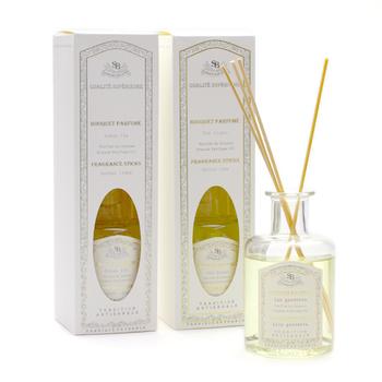 「サンタール・エ・ボーテ」のルームディフューザー「フレグランスブーケ」。リキッドソープのフレンチクラシックシリーズと同じ香り構成なので、お気に入りの香りで統一することもできますね。
