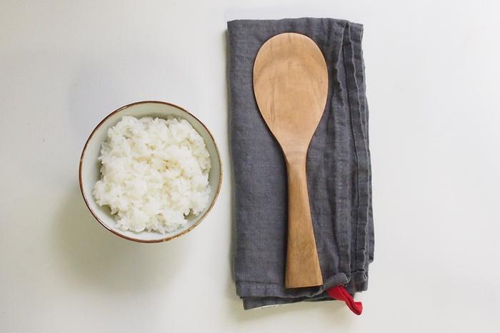 丁度いいカーブと薄さは、ご飯粒をつぶさずに混ぜることができるという特徴も◎ ふっくらとした美味しいご飯が楽しめますね。