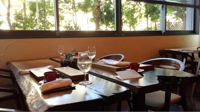 熱田区にあるイタリアン「オステリア イル パリアッチョ」は、金山駅から徒歩15分ほどでアクセス可能。オフィスビルの1Fにある隠れ家的なレストランです。