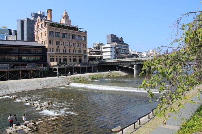 和の町並みが残る京都。そんな中で、明治から昭和にかけて建てられた洋風建築もたくさんあるんです。ほぼ当時のままの姿で残る洋館を巡ってみませんか?