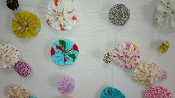 お気に入りの布はもちろん、小物作りで余ったハギレなど色々な布をたくさん組み合わせて作ってみましょう!