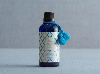 ■fleur de fatima(フルールドファティマ) バスオイル(レモンバーベナ)  モロッコで採れた植物を原料とした、自然の香りを堪能できるバスオイル。アプリコットシードオイルをベースにしたさわやかな香りで、リフレッシュしたいときにぴったりです。