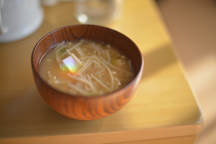お味噌汁も煮物も、和食の基本は出汁にあります。その出汁をとるのが鰹節。便利なパック詰めでも売っていますが、削りたてが何よりも美味しいんです。