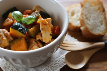 ズッキーニでは定番中の定番、ラタトゥイユ。 旬の野菜を使って、いつもとは違うラタトゥイユにチャレンジしてみてはいかがですか?