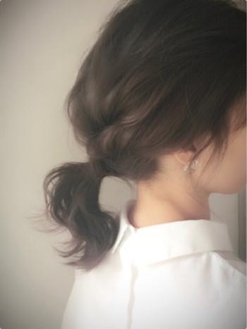 こちらは逆りんぱを組み合わせたアレンジ♪ ローポニーなら髪が短めの方でも挑戦しやすいですよ。