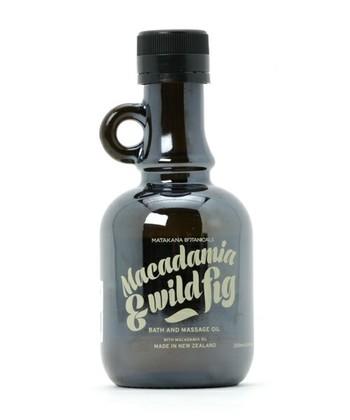 ■MATAKANA BOTANICALS(マタカナ ボタニカルズ) マカダミア&フィグ バス&マッサージオイル  ニュージーランドの自然が育んだ、とっておきの素材を贅沢に使用したオイル。バスオイルとしてだけでなくマッサージオイルとしても使える優れもの。マヌカハニー配合でお肌に潤いを感じられますよ。