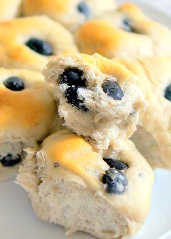 人気の「ちぎりパン」も天然酵母で。生地はホームべカリーを使うと手軽に作れます。