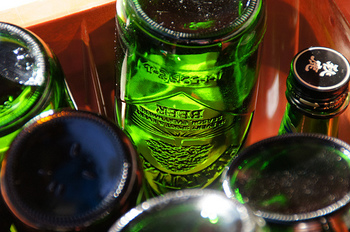 リユース・リサイクルが可能なリターナブルビンを使っている物を購入する。パルシステムや生活クラブなどでは、牛乳や調味料などで、リターナブルビンを使用しています。経費削減CO2も削減で、環境にも優しく。