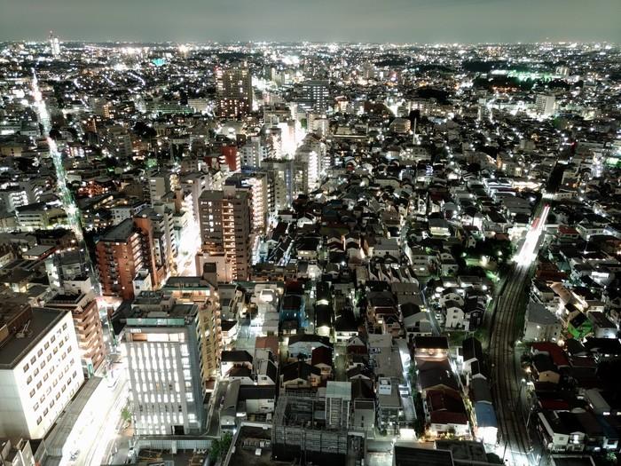 キャロットタワー最上階26階には、無料ぼ展望ロビーがあります。展望台からは田園調布方面を眺めることができ、夜は美しい世田谷の夜景を満喫できますね。同じ26階にあるレストラン「スカイキャロット」からは東京タワーやスカイツリーも見えるそうですよ。