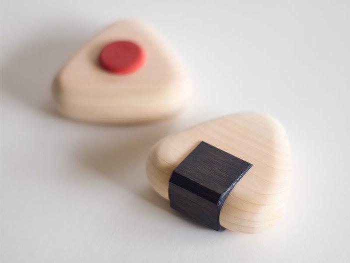 ヒノキ材の歯固めは小田原の木工職人さんと作られたもの。赤ちゃんの歯茎を丈夫にしてくれる歯固めは安心して使えるものがいいですよね。