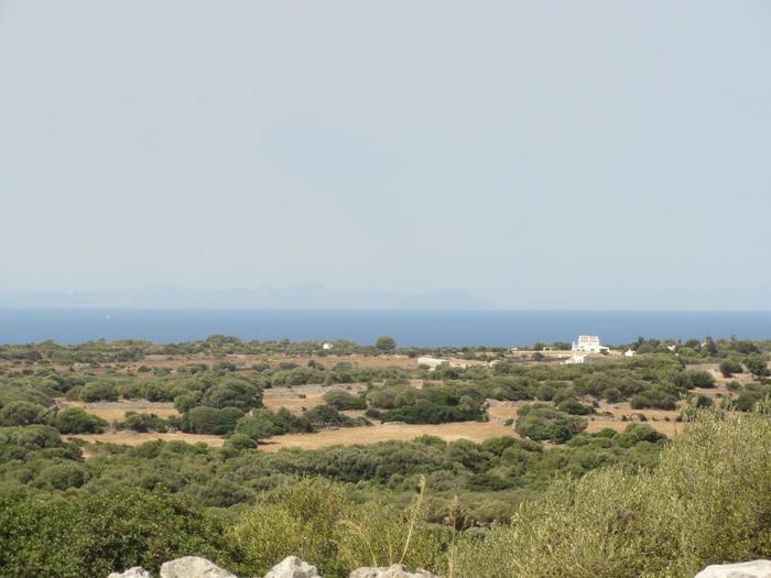 遺跡は高台にあるので、メノルカ島一帯を眺めることも出来ますよ。