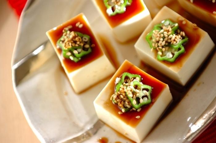 自然な旨味たっぷりの出汁じょうゆが、電子レンジを使って簡単に作れちゃいます♪昆布とかつお節の深みのある味わいは、ぜひ冷奴でシンプルに楽しんで♪
