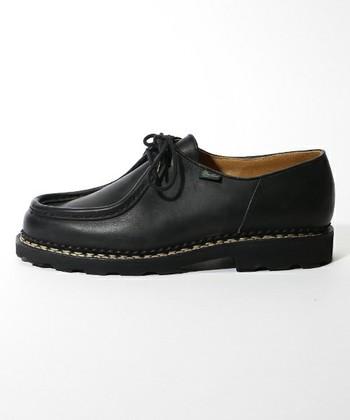 丈夫で履き心地が良く、上品な靴を作り続けているフランスの歴史あるブランド「パラブーツ」を代表するモデルが、このミカエル。男性からの人気も高いブランドですが、女性が履いてもとっても素敵。長く履けば履くほどに、深みのある風合いになっていきます。