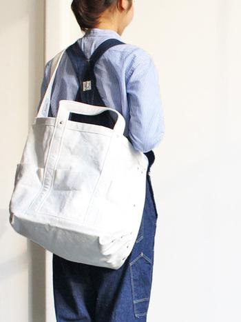 持ち物が多いママさんにもおすすめなツールバッグ。両手が使えるので、子供を連れてのお出かけにもぴったりです。