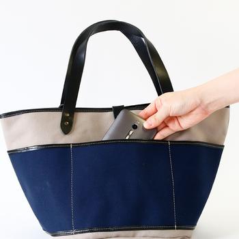 外側に6つのポケットがあるので、鍵やスマホなどを整理しやすいガーデンバッグ。 小さめながらA4サイズも入る収納力です。