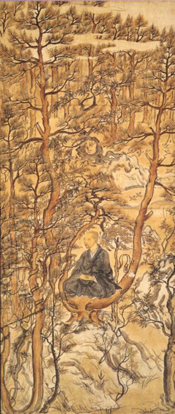 『明恵上人樹上坐禅像』は、一般的な肖像画としては人物が小さく、樹木(松林)が大きく描写された画面構成で、人物描写も、他の定型的で理想的な肖像から脱した似絵(にせえ)風に描かれています。  また、松林を仔細に観れば、小鳥が群れ、リスも生息し、樹木も自由闊達に生き生きと描かれています。自然と一体となり調和する明恵の人となり、成忍の師への愛慕、崇敬の念が、鑑賞者にしみじみと伝わってくる名画です。