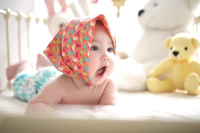 お家の中では、赤ちゃんが安心できる過ごしやすい場所を作っておきましょう。さわると危ないものが近くにあると、目を離すことが出来ません。安全を考えたスペースで、赤ちゃんが機嫌よく過ごせるとママの気持ちにも余裕が持てますよ。