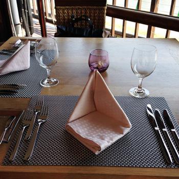 ランチ・ディナーともにコースメニューとなっており、期間中(5/1~9/30)は毎日開催の特別なフレンチメニューを楽しめます。