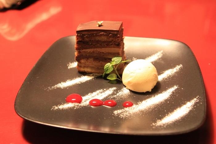 お口直しのデザートも、お上品な味わいと評判。大人な雰囲気のイタリアンレストランで、風情ある夜を過ごすのにおすすめです。