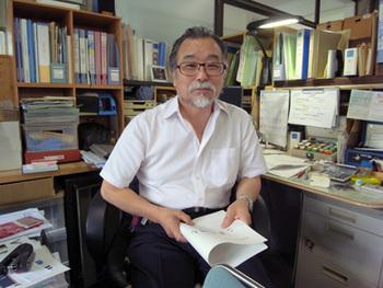 弘前こぎん研究所の所長・成田貞治さんによると、こぎん刺しは古くからの伝統工芸とのこと。