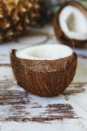 北インド料理のようにバターなどの動物性油脂をあまり使わず、乳製品の代わりにココナッツミルクを使用するので、胃にもたれずさっぱりとした味わいです。