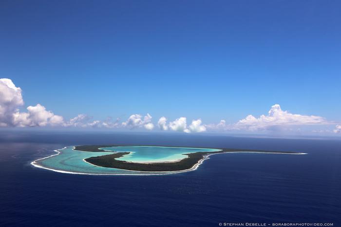 美しいオープンハートの無人島「ツパイ島」。1日1組限定で、ハネムーンのみ上陸が許可されています。 (中止になることも多いため要確認)