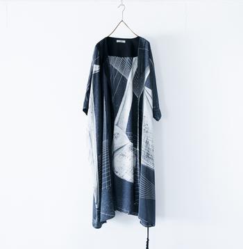 ohta(オオタ)の羽織りは、一目惚れして購入した今シーズンのもの。 折り鶴の柄がお気に入り。
