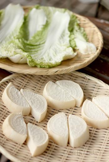 野菜を乾燥させた干し野菜は、生野菜よりも栄養価がアップしたり、うまみが凝縮され味が美味しくなったり、作る際、水分を飛ばして乾燥させので、保存も長期間できることが特徴です。
