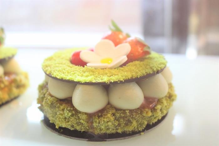 「レ・レーヴ・デュ・ルーシー」のケーキの特徴は何と言ってもこの見た目。キュートな見た目にハートが釘付けに。インスタ映えもばっちりです。