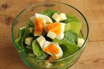 柚子胡椒ドレッシングでピリリとした味わいに。