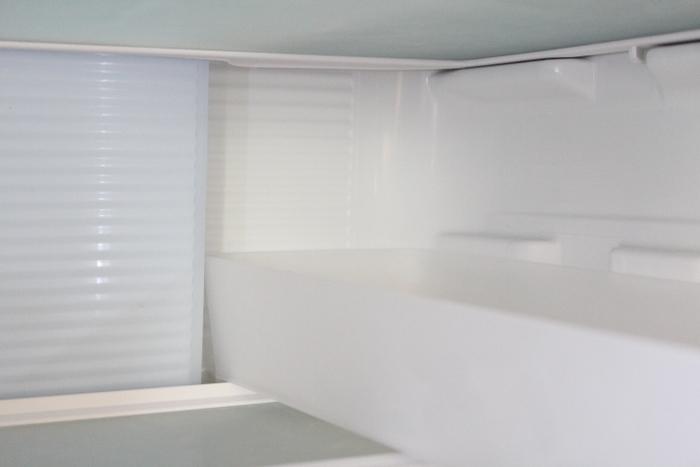 写真のように庫内の凹み部分にぴったり収まり、奥のものまで引き出せて使い勝手も◎。同じタイプの冷蔵庫の収納にお悩みの方は、ぜひ参考にしてみてはいかがでしょう?見た目もスッキリ整理できて、庫内のゴチャゴチャ感を解消できますよ♪