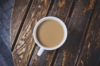 暑いからと冷たい飲み物ばかり口にしていませんか? 冷たい飲み物は冷えのもと。夏でも常温のものや温かい飲み物を飲むようにしましょう。