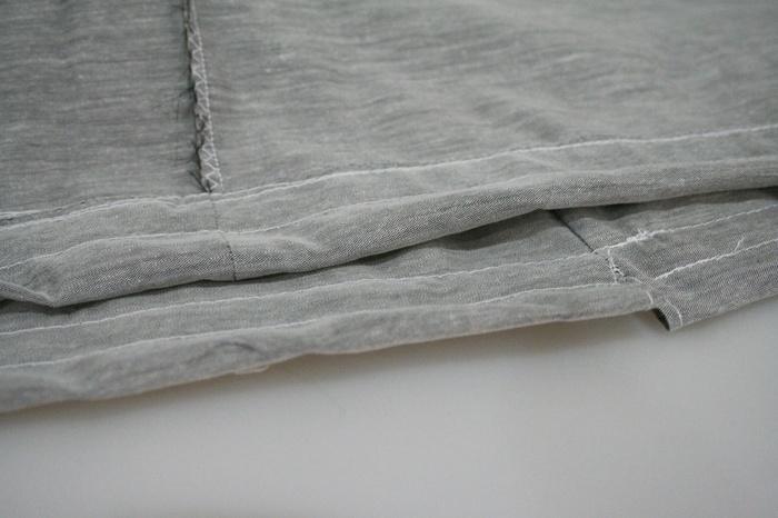 最後にゴム通し部分を縫って作ります。このように2本ゴムが通るようにすると、はいた時の締め付けが抑えられます。