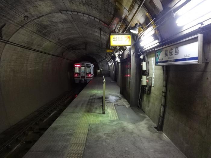 美佐島駅のホームは単式1面1線となっており全長45メートルのホームとなっています。