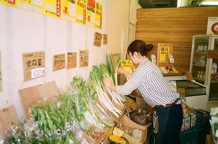 『旬八青果店』は、目黒警察署前店、三田店など、都内に9店舗。そして、東京から発送して翌日に届くエリアなら、オンラインショップを通じて通販も可能なんです。