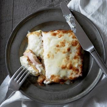 ハムやチーズを乗せてトーストすれば、りっぱなモーニングに。