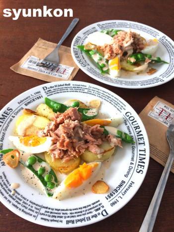 常備菜と缶詰に、旬の緑黄野菜(アボカドや、夏ならスナップエンドウ、冬ならブロッコリーなど)を加えて、素敵なひと皿が。  ★こちらのブログから、ラップを使う、ゆで卵の切り方に飛んでいけます。ご参考に。↓↓↓